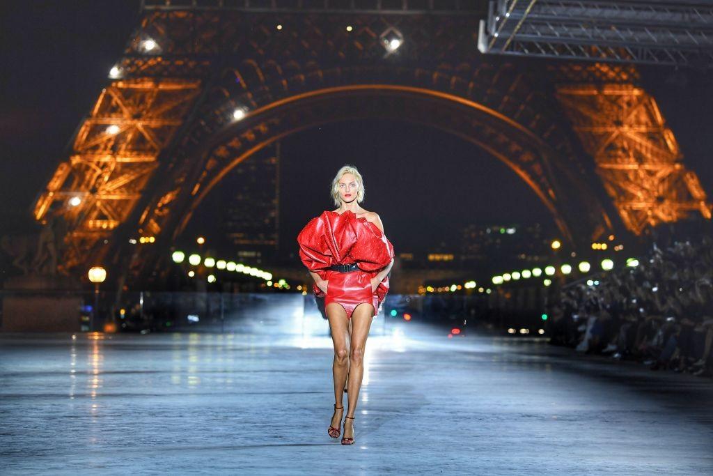 Torre Eiffel sob os olhos da moda (Foto: Getty Images)