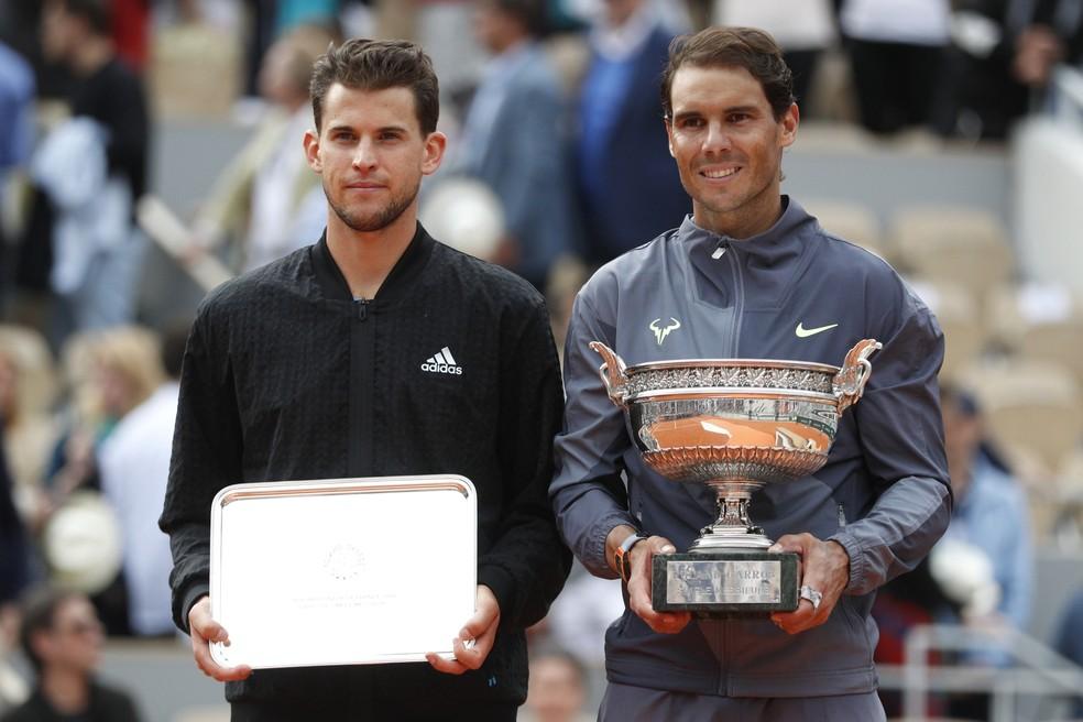 Rafael Nadal e Dominic Thiem na final de Roland Garros — Foto: REUTERS/Vincent Kessler