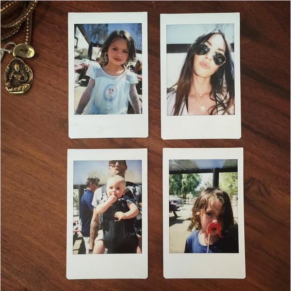 As fotos de família compartilhadas pela atriz Megan Fox com o filho Noah de vestido (Foto: Instagram)