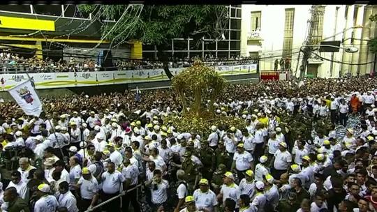 Fiéis lotam as ruas de Belém por Nossa Senhora de Nazaré