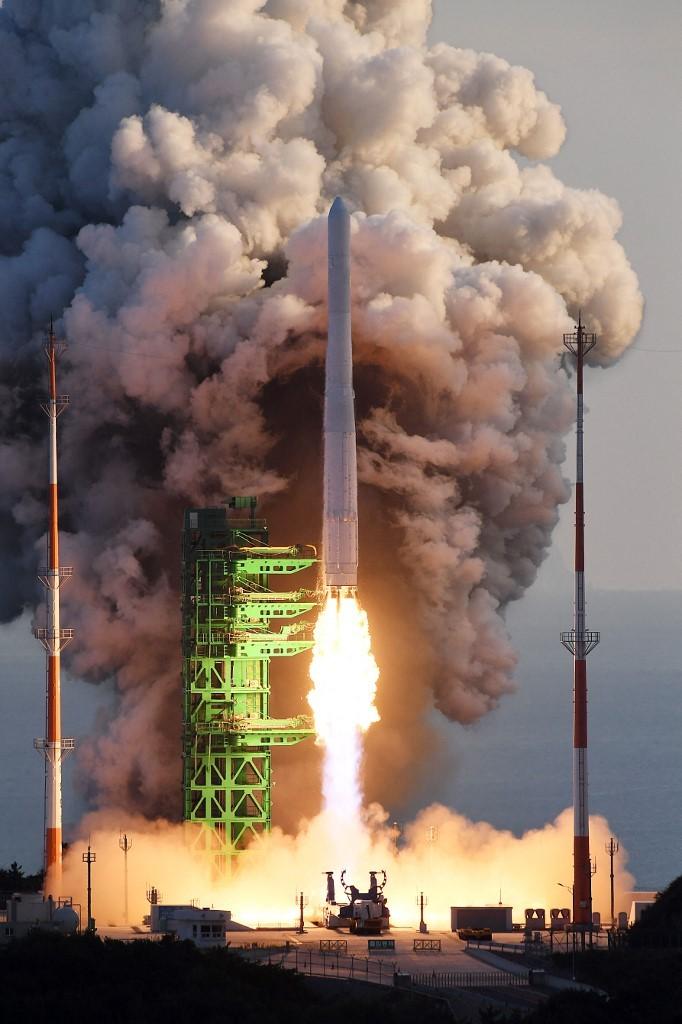 Coreia do Sul lança foguete para tentar colocar satélite em órbita, mas fracassa