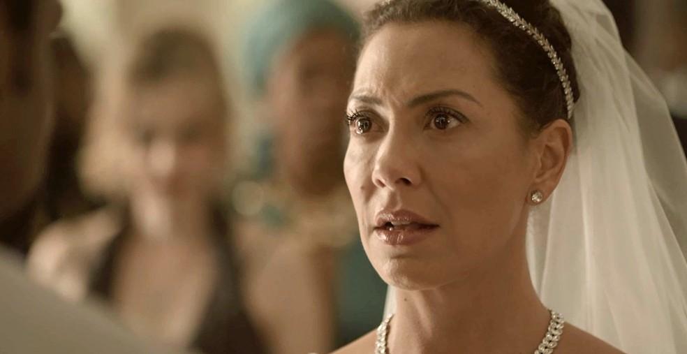 Claro que Cacau fica arrasada com tamanha humilhação! (Foto: TV Globo)