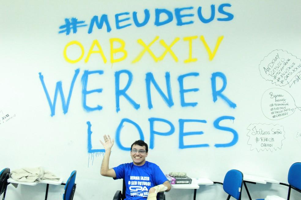 Werner recebeu a notícia da aprovação nesta segunda-feira (19) (Foto: Rickardo Marques/G1 AM)