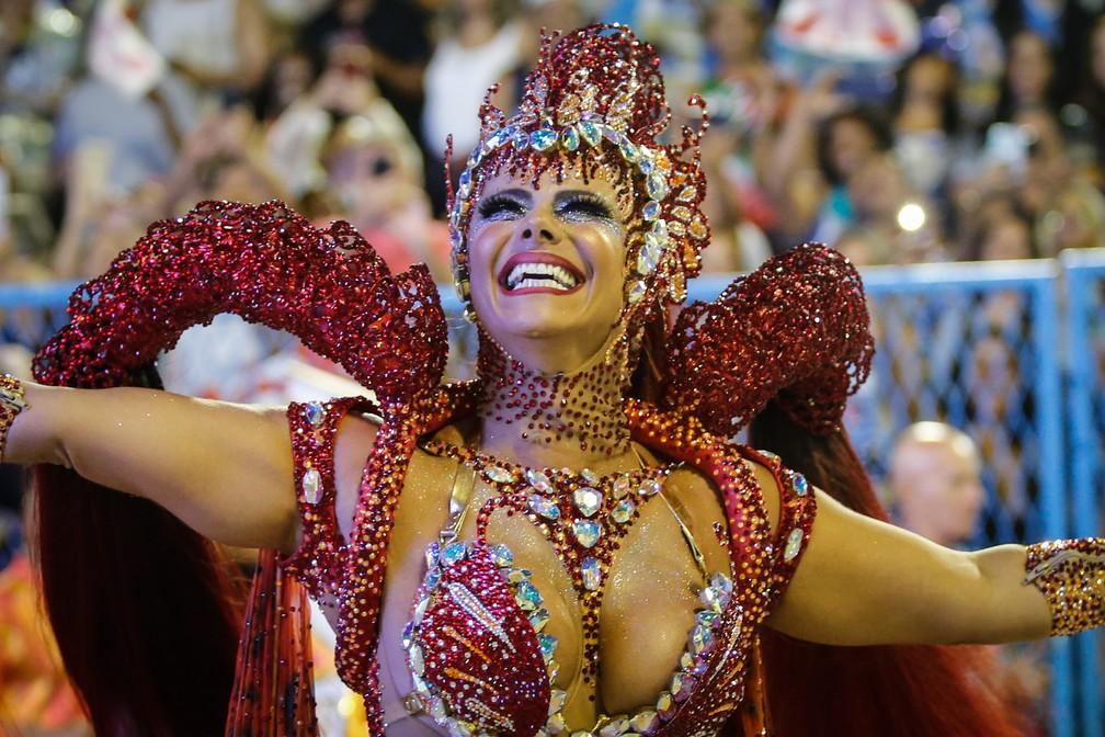 Viviane Araújo, rainha de bateria do Salgueiro — Foto: Marcos Serra Lima/G1