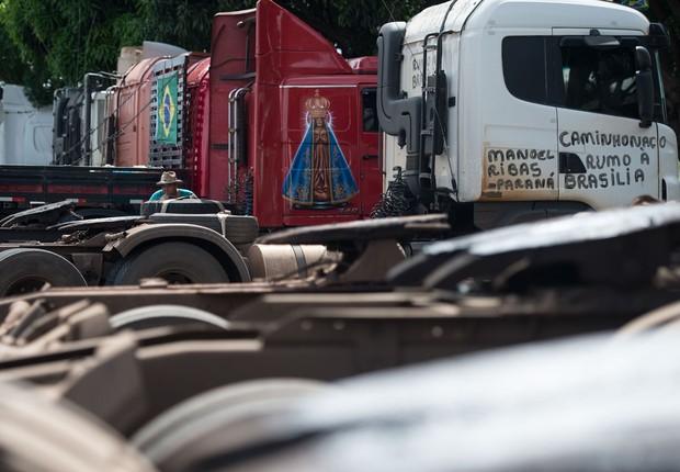 Caminhoneiros ; caminhões transportam carga ; transporte de carga ; logística ;  (Foto: Marcelo Camargo/Agência Brasil)
