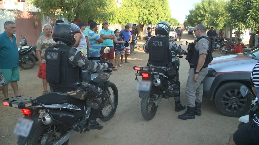 Homem é morto a tiros dentro de lava jato onde trabalhava em Sousa — Foto: TV Paraíba/Reprodução