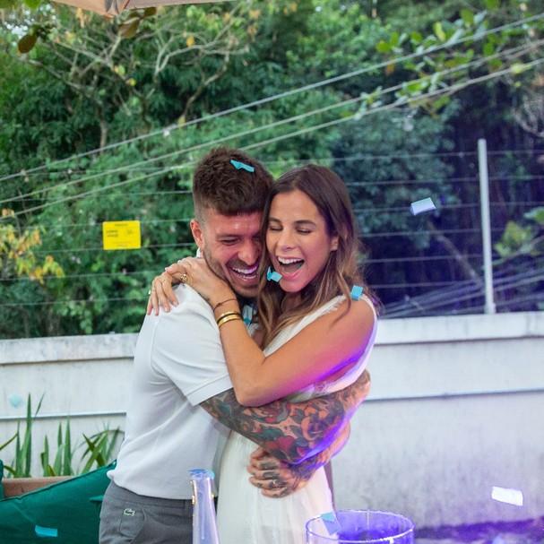 Shantal Abreu e Mateus Verdelho serão pais de um menino (Foto: Reprodução)