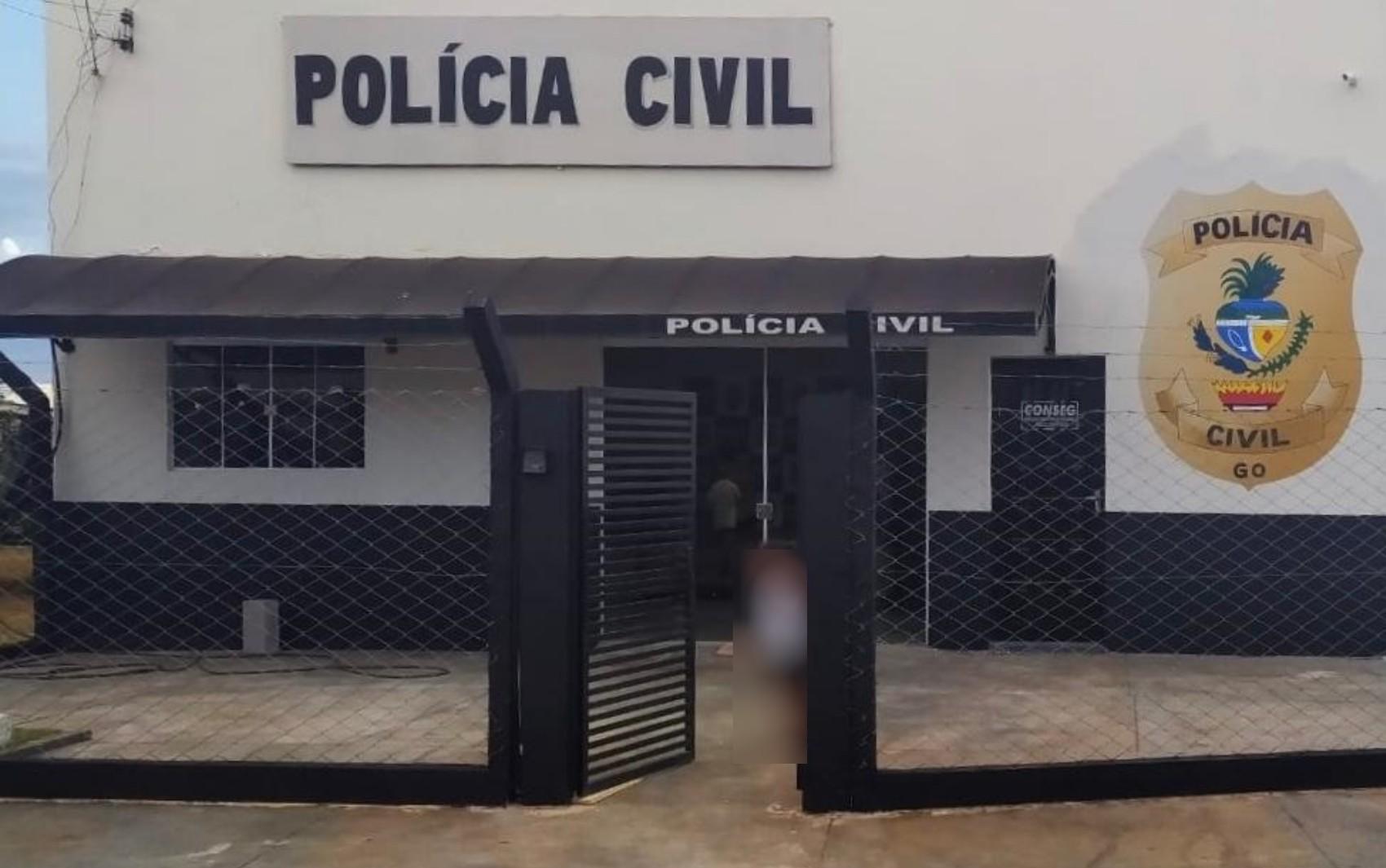 Suspeito de roubo é preso após pedir ficha de antecedentes criminais em delegacia de Chapadão do Céu