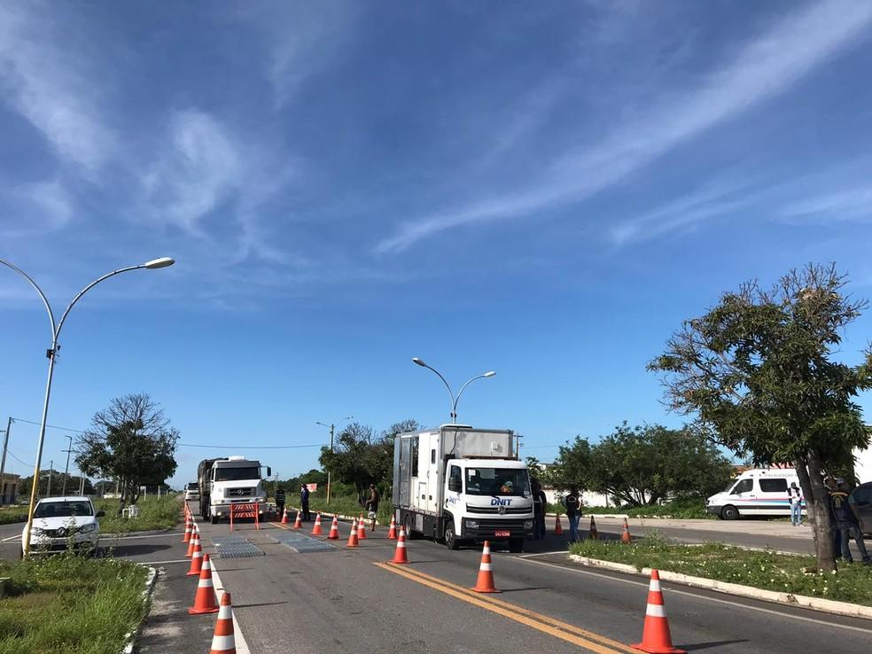Operação que apreendeu quase R$ 1 milhão em mercadorias sem nota fiscal no RN montou blitzes em diferentes rodovias — Foto: Divulgação