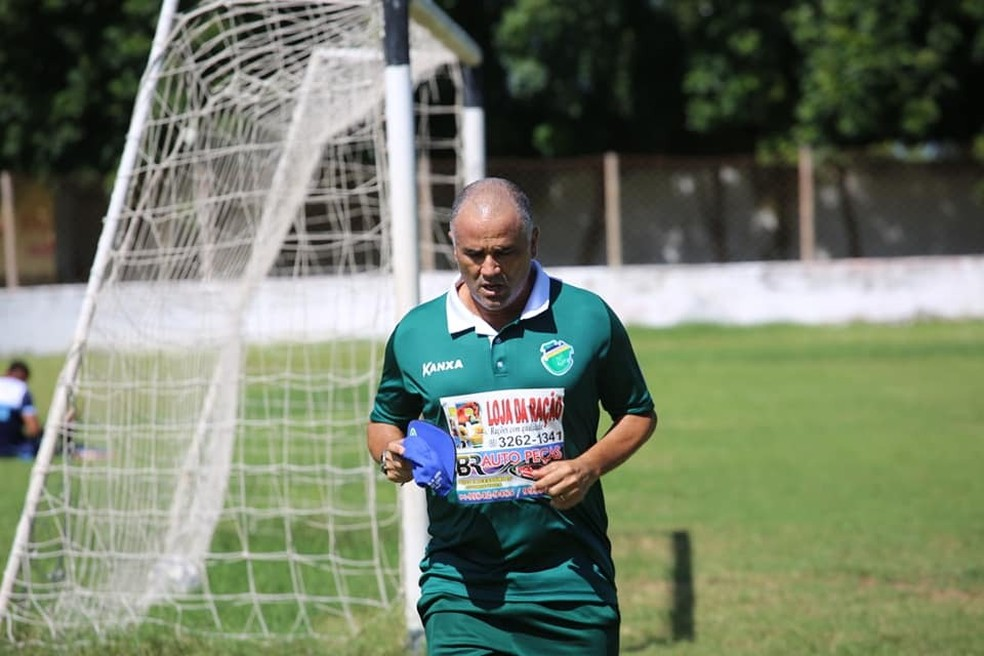 Campeão da Série D de 2010 pelo Guarany de Sobral, o técnico Oliveira Canindé sonha em repetir o feito com o Altos (Foto: Luis Júnior/Altos)