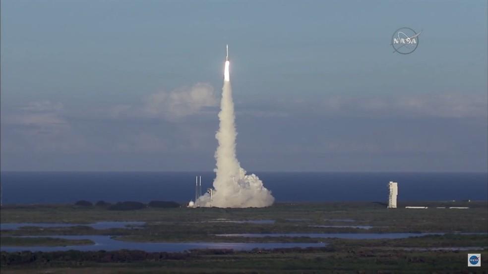 Lançamento da sonda Osiris-Rex, em 2016, para ir atrás do asteroide Bennu — Foto: Divulgação/Nasa