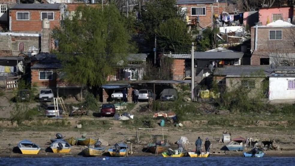 El Remanso é um município argentino às margens do Paraná que depende da pesca artesanal para sua subsistência — Foto: Getty Images via BBC