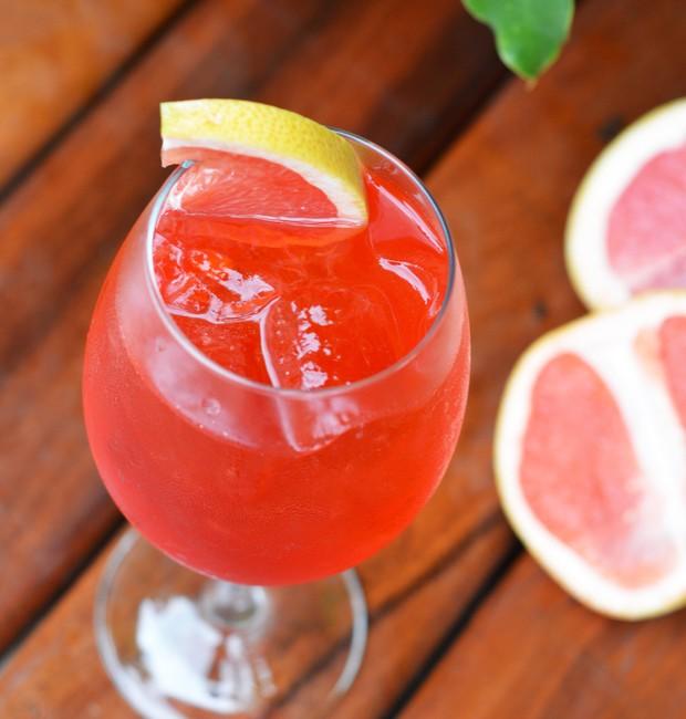 Drinque Blood Orange Spritz (Foto: Pracinha do Seu Justino/Divulgação)