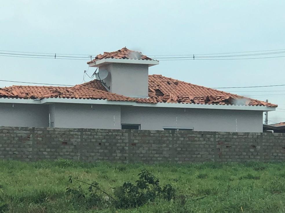 Casas foram destelhadas durante chuva em Cerquilho — Foto: Arquivo pessoal
