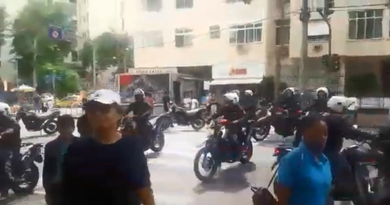 Coração foi escoltado por motociclistas da PM