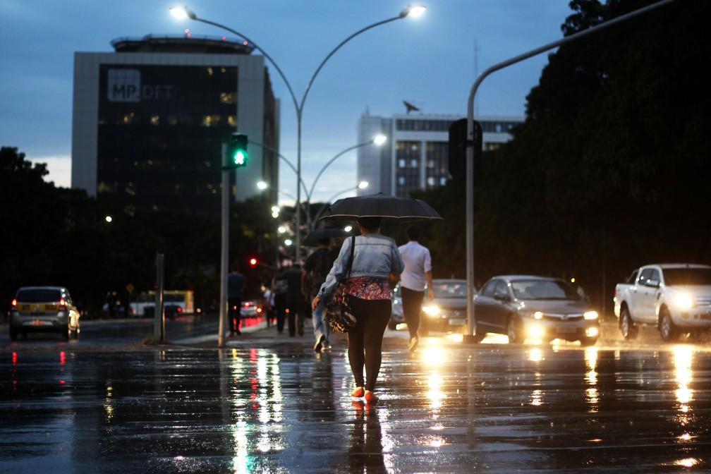 Resultado de imagem para guarda chuva brasilia