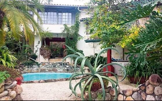 Casa em Ubatuba (SP) do ex-apresentador Clodovil (Foto: Reprodução)
