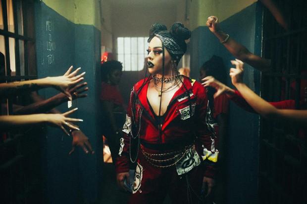 Gloria Groove no clipe de Coisa Boa (Foto: Divulgação)
