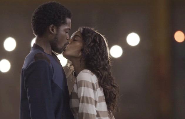 Paulina (Carol Macedo) e Cecílio (Maicon Rodrigues) chegarão ao fim da história juntos e felizes (Foto: Reprodução)