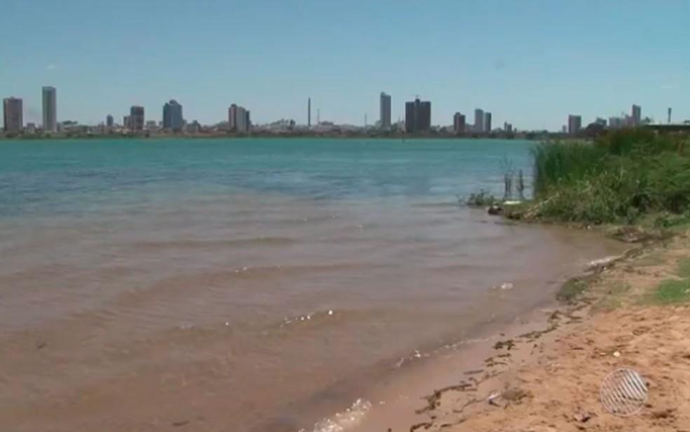 Situação aconteceu na localidade conhecida como 'prainha', trecho do Rio São Francisco (Foto: Reprodução/ TV Bahia)