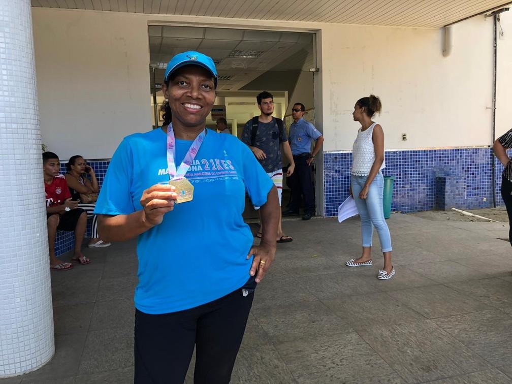 Doméstica Ana Célia de Assis, 46 anos, participou de meia-maratona antes da prova no ES — Foto: Patrick Jacob/ G1
