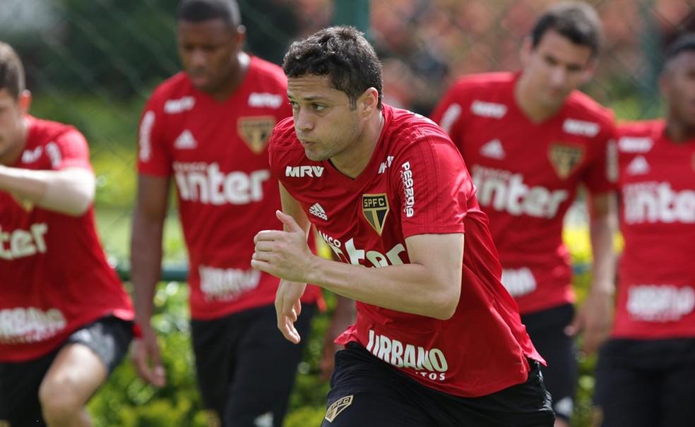 Anderson Martins, do São Paulo, diz que grupo carrega peso da fila de títulos — Foto: Rubens Chiri / saopaulofc.net