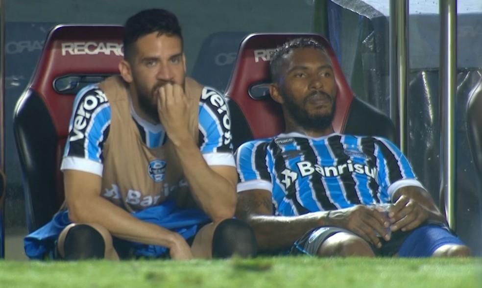 Paulo Miranda sentiu lesão muscular na partida contra o São Paulo — Foto: Reprodução/PFC