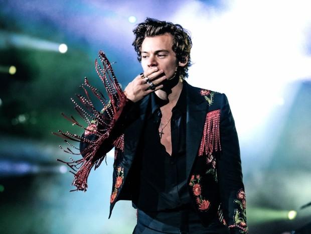 Harry Styles de Gucci (Foto: Hélène Marie Pambrun)