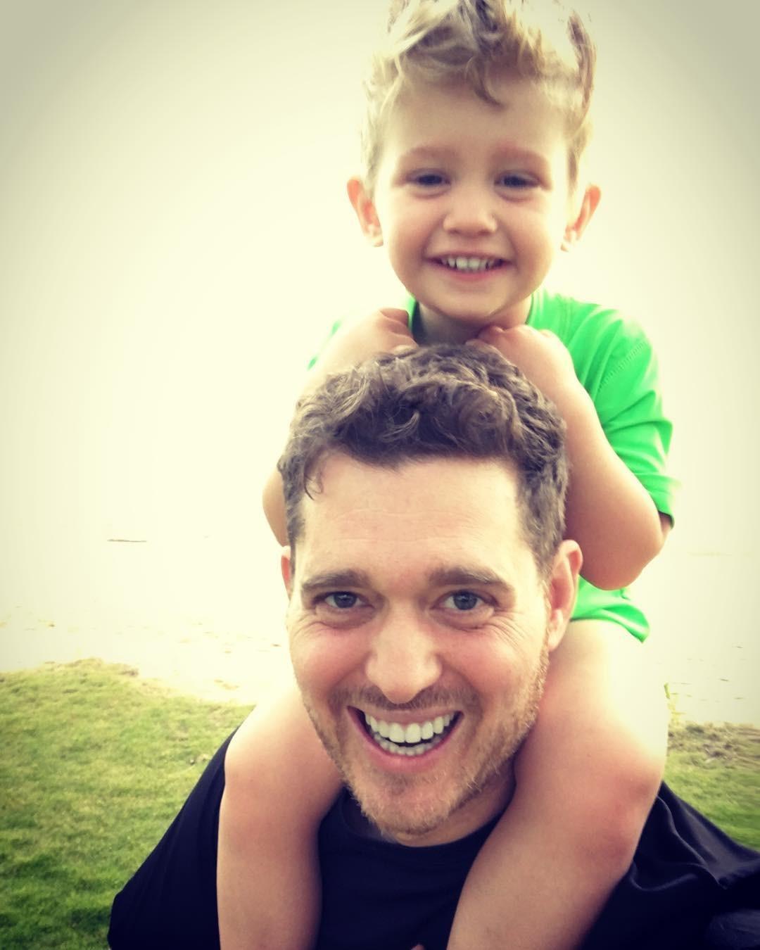 Michael e o filho Noah  (Foto: Reprodução Instagram)