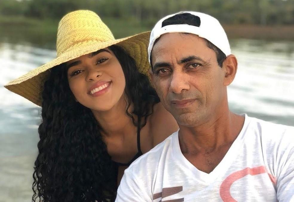 Ex-BBB Elana Valenária e seu pai Edivaldo Pinto — Foto: Arquivo Pessoal