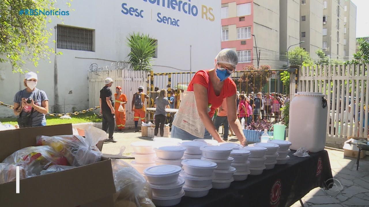 Cozinheiros do Bem doam mil marmitas para a população em situação de rua na Capital