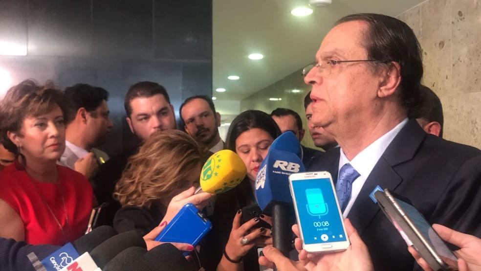 O novo ministro do Trabalho, Caio Luiz de Almeida Vieira de Mello, concede entrevista após tomar posse no Palácio do Planalto (Foto: Guilherme Mazui/G1)