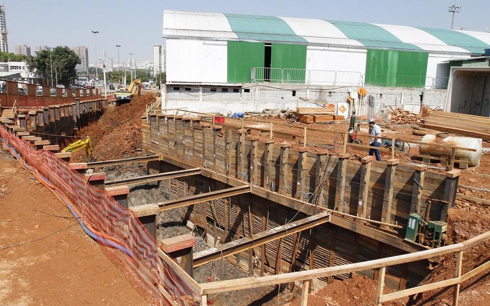 Obras de saneamento no córrego da Água Preta durante a gestão Fernando Haddad — Foto: Heloisa Ballarini/Prefeitura de São Paulo/Divulgação