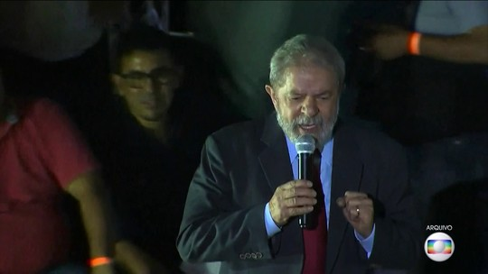 Lula é condenado a 12 anos e 11 meses de prisão por corrupção e lavagem de dinheiro em ação da Lava Jato sobre sítio de Atibaia