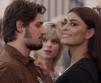 Rafael (Daniel Rocha) e Carolina (Juliana Paes) em 'Totalmente demais' | TV Globo