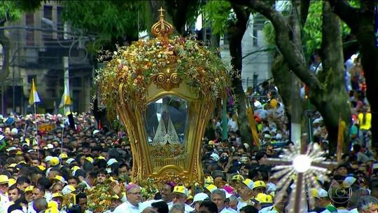 Procissão reúne dois milhões de pessoas em Belém