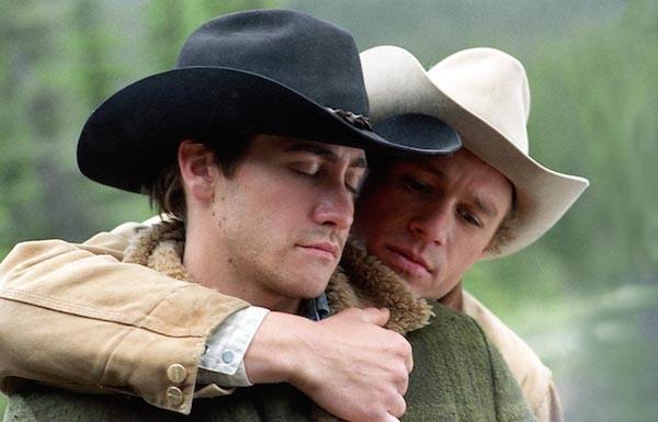 Jake Gyllenhaal e Heath Ledger em cena de O Segredo de Brokeback Mountain (2005) (Foto: Divulgação)