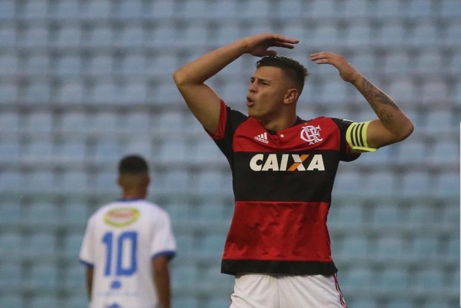 A 5 e a faixa: a história de Hugo Moura, capitão do Flamengo sub-20