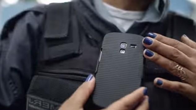 Smartphone de PM será usado para o monitoramento (Foto: Instituto Igarapé)