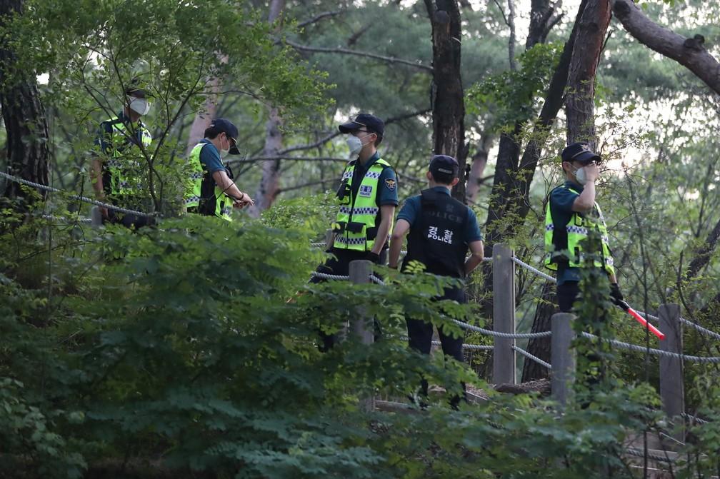 Equipes buscam o prefeito de Seul, Park Won-soon, que desapareceu em 9 de julho de 2020 — Foto: Yonhap/ Via Reuters