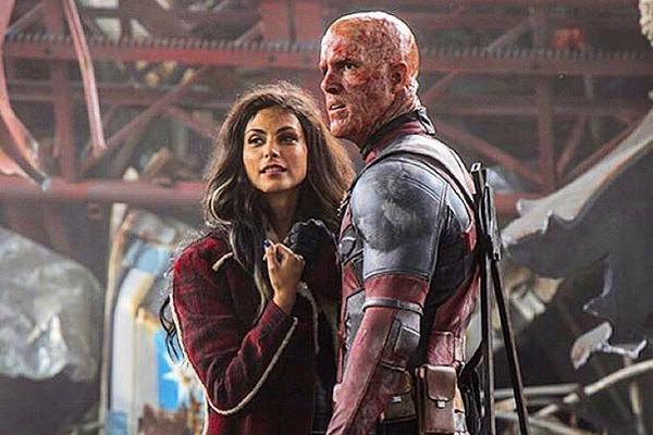 Morena e Ryan Reynolds como seus personagens da franquia Deadpool (Foto: Reprodução instagram)