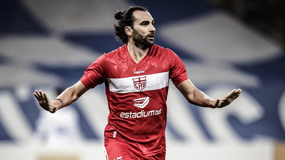Léo Gamalho é o artilheiro da Série B, com sete gols — Foto: ASCOM CRB