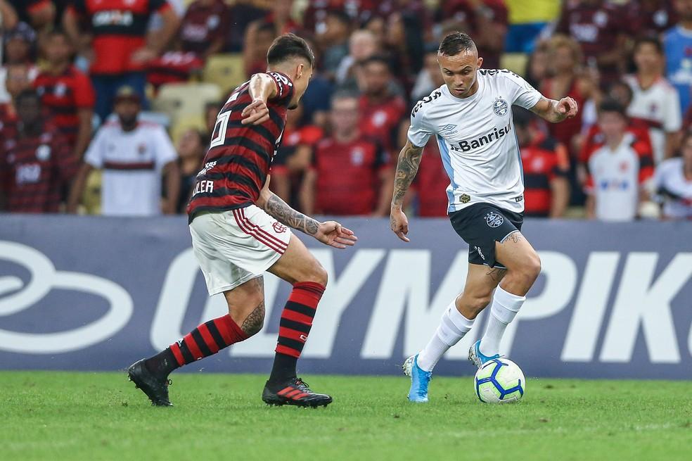 Everton foi o único titular utilizado no Maracanã — Foto: Lucas Uebel/Grêmio