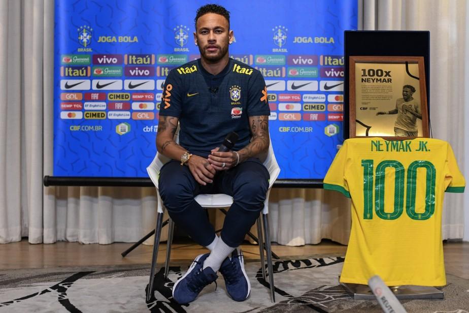 Antes do jogo 100 pela Seleção, Neymar justifica privilégios e promete voltar a figurar entre os melhores do mundo