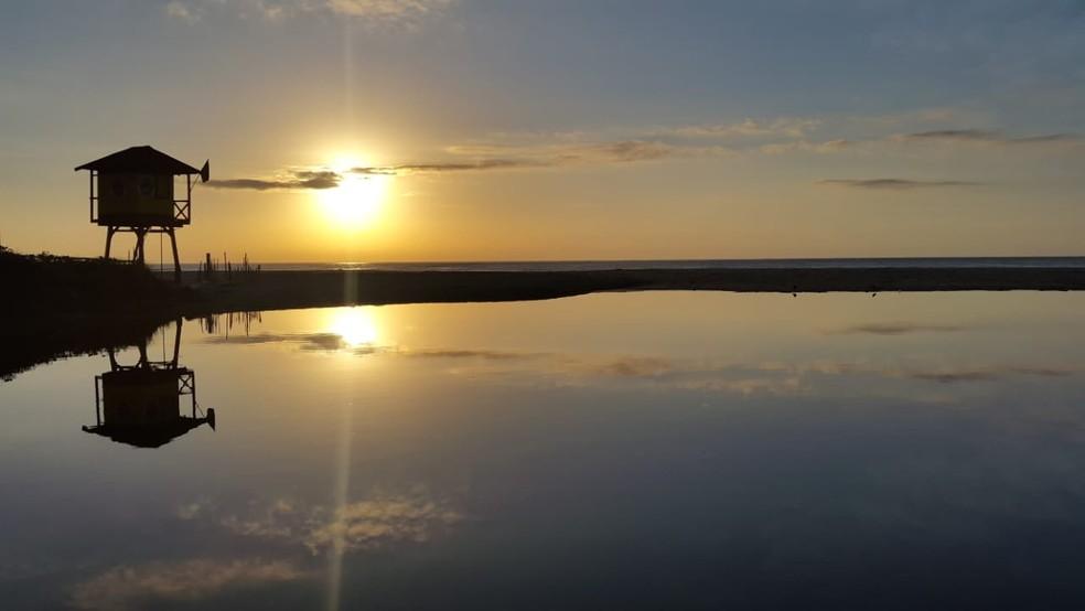 Amanhecer na Lagoa do Cassino, na praia Brava, em Itajaí (Foto: Luiz de Souza/ NSC TV)