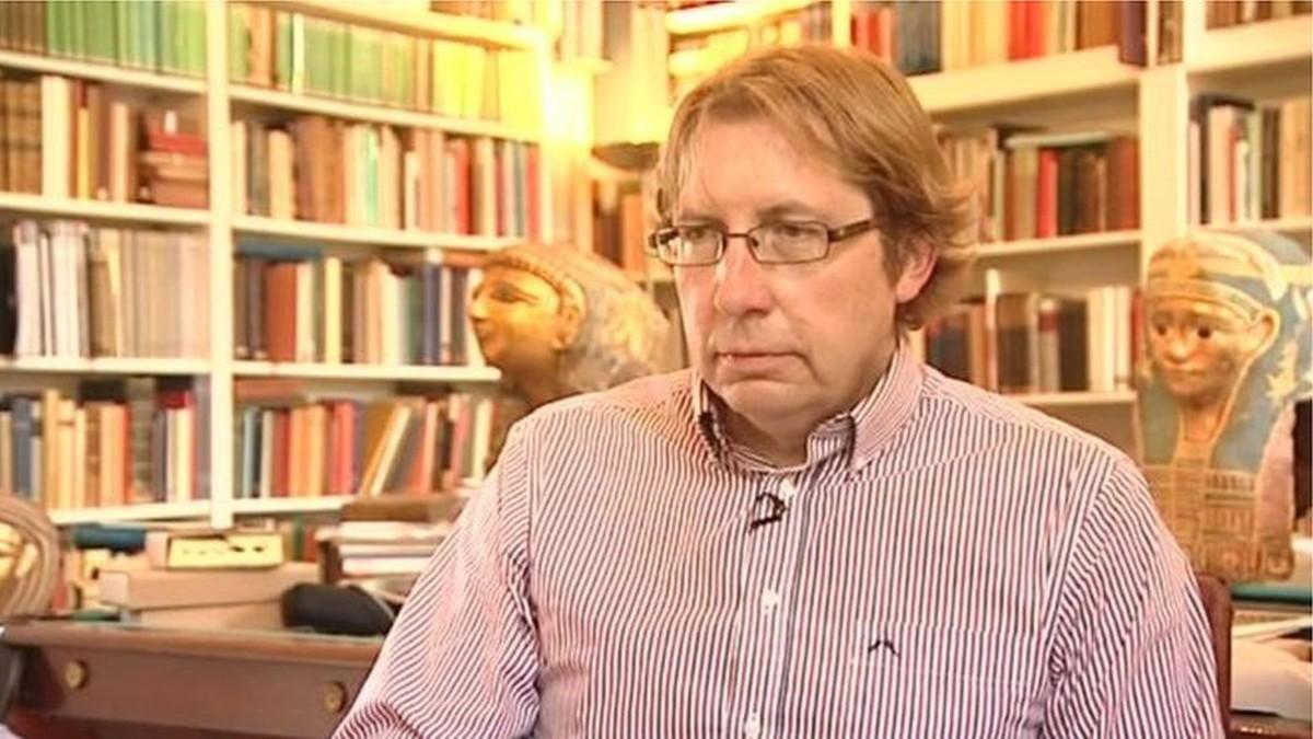 Professor de Oxford é acusado de vender fragmentos de Bíblia milenar
