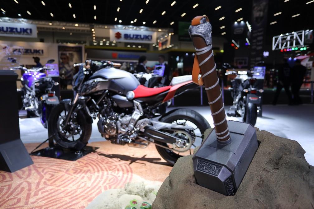 Yamaha MT-07 inspirada no herói da Marvel Thor — Foto: Fábio Tito/G1