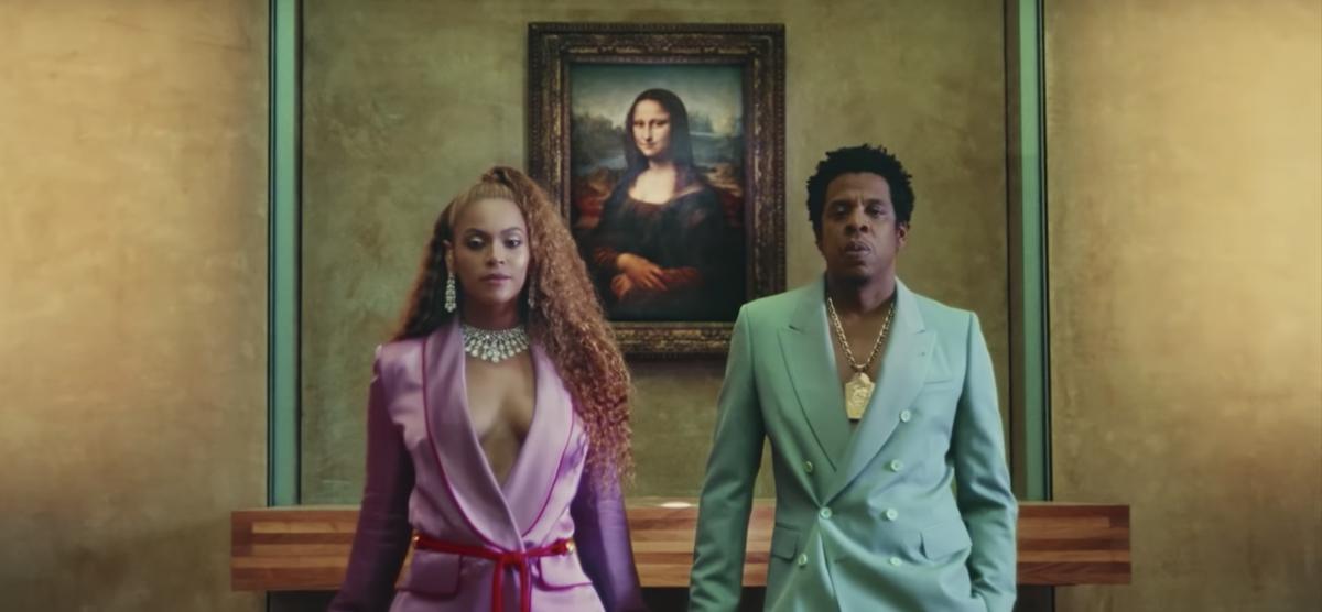Cena de Apeshit, clipe de Beyoncé e Jay-Z (Foto: Reprodução/YouTube)