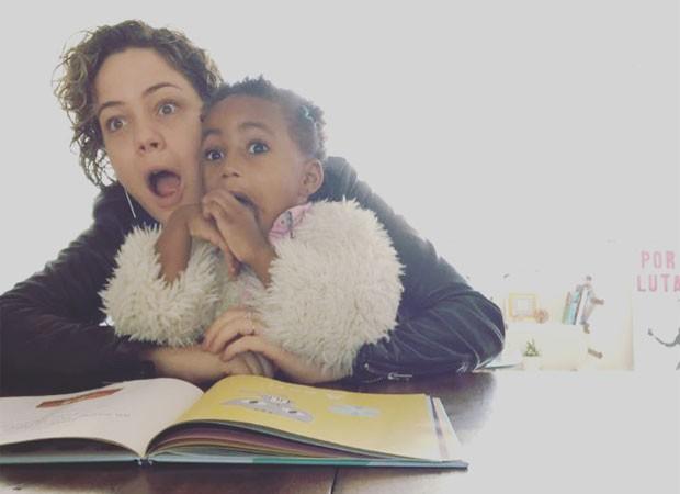 Leandra Leal e filha (Foto: aleyoussef/reprodução)