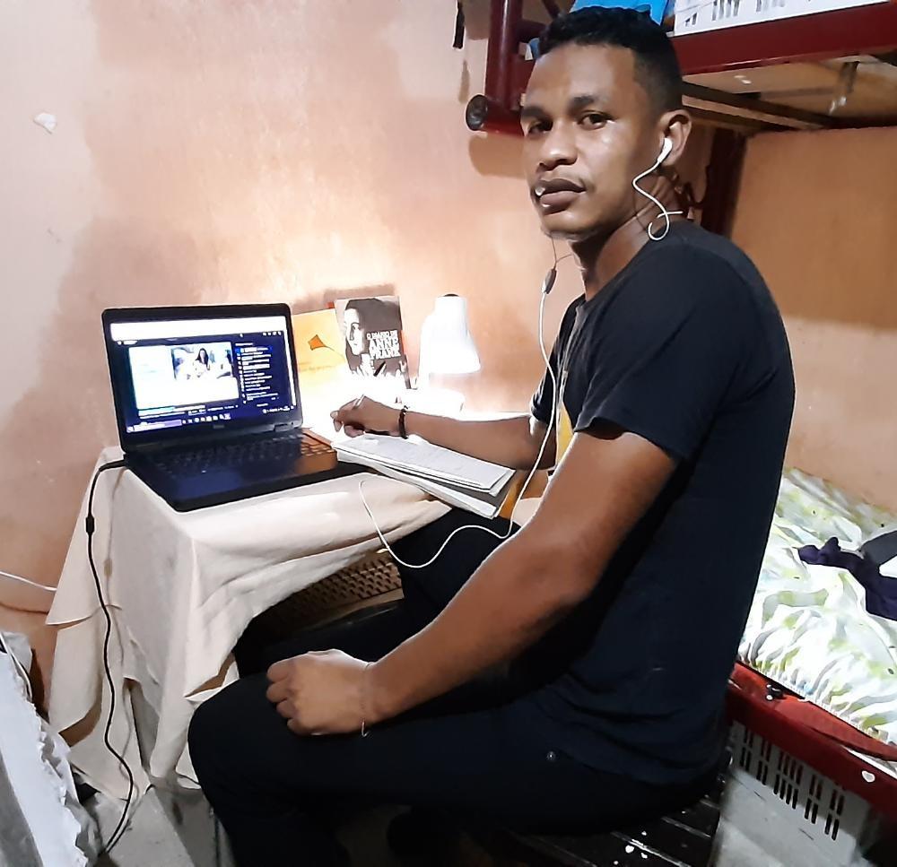Homem que perdeu filha presta o Enem pela 6ª vez para realizar o sonho de cursar medicina